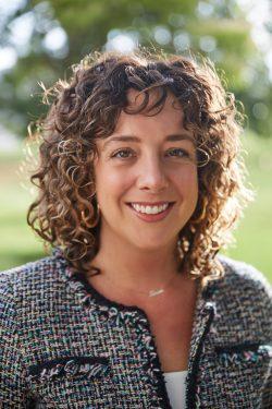 Portrait of Shannon McGregor