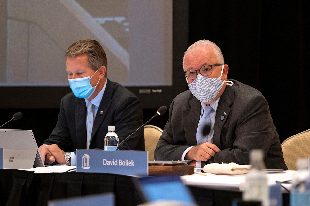 Chancellor Kevin M. Guskiewicz, left, and Board chair Dave Boliek at meeting of the UNC Board of Trustees meeting held at The Carolina Inn.